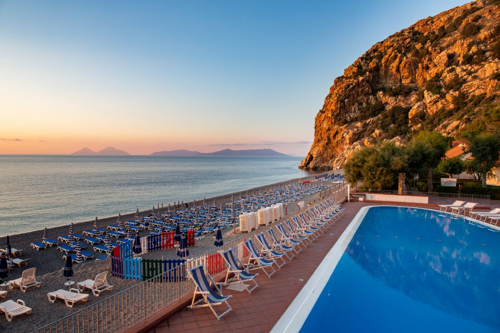 Esterni_Spiaggia_Capo_Calava_3